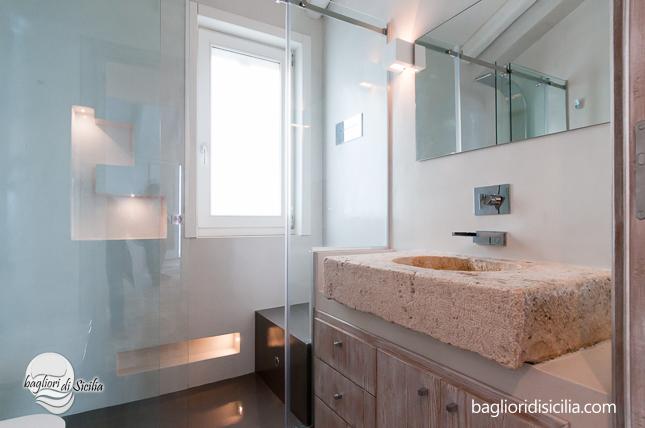 Bagno piastrella o resina quale materiale usare per una casa di