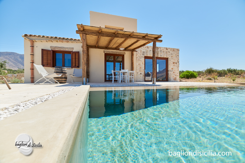 Come costruire una piscina le fasi progettuali e costruttive - Residence con piscina in sicilia ...