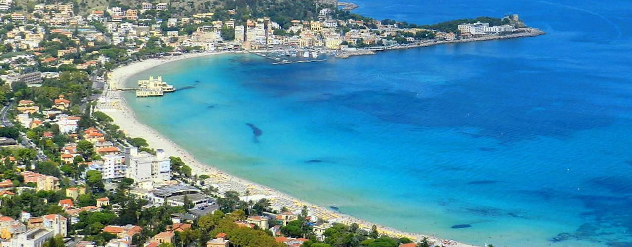 Matrimonio Spiaggia Mondello : Mondello la spiaggia preferita dai palermitani tra