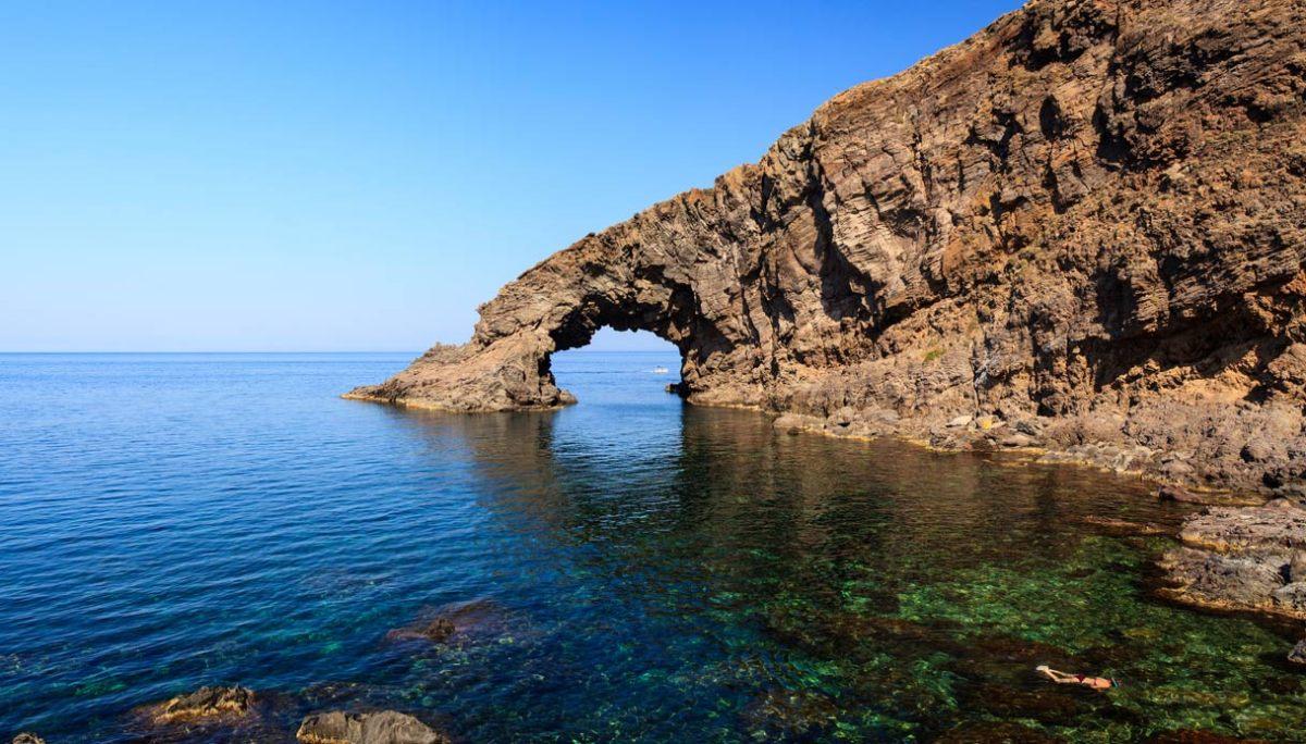 Vacanze Pantelleria, nuovi collegamenti tutti i giorni da molte città