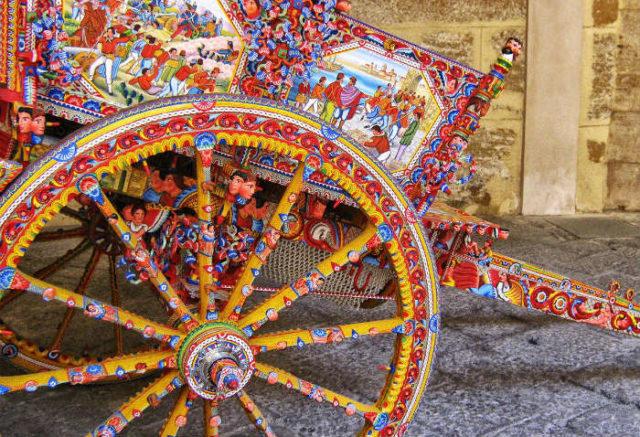 Decorazioni Carretto Siciliano.Carretto Siciliano Il Souvenir Che Rappresenta L Isola Piu